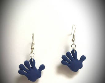 Earrings in silver and hand shaped pendant