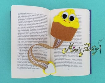 dolce segnalibro cup cake in feltro giallo  sweet bookmark yellow cup cake in felt