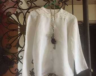 Vintage shirt. Gorgeous white linen blouse with notched collar