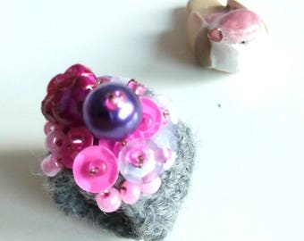 extra fine Merino Wool ring grey beaded mix/ring