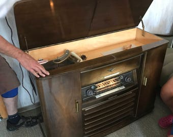 Antique Nordmende tube radio with dual turntable 3D Arabella radio