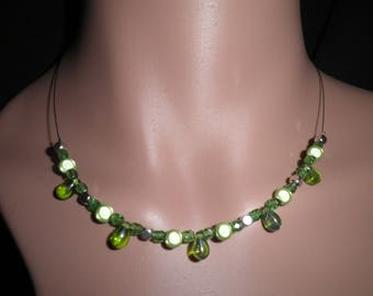 01241 - Teardrop necklace Green Pearl and silver metal