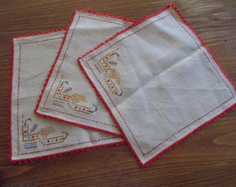 Vintage Table - napkin, Embroidered Table-napkin, Vintage Runner, Vintage serviette,  Linen vintage tablecloth