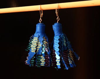 Earrings tassel - cornflower Wax