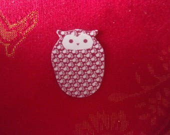 Magnet in the shape of OWL red and white - 2.3 cm x 3 cm