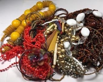 N122, jewelry lot, vintage necklaces, mixed jewelry beaded necklaces, wear, repair, resell, tear apart