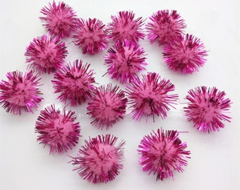 4 felt and metallic filaments Fuchsia pink tassels