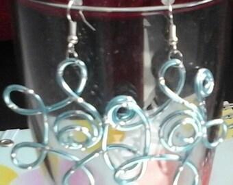 Earrings Sunny engraved aluminum 2mm blue glazed (very light blue)