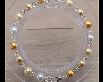 Shades of yellow glass beads bracelet