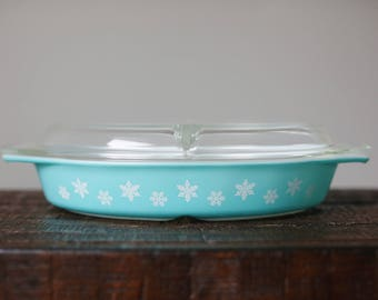 Vintage Pyrex 963 Snowflake Turquoise Divided Dish with Lid