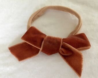 """Original velvet bow in """"Autumn Leaf (medium)"""