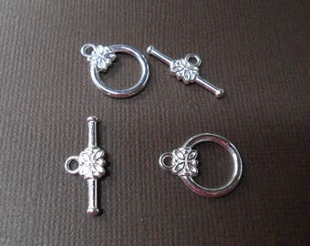 Silver metal flower Toggle clasp