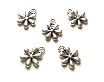 Silver x 10 METAL flower charms