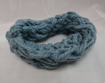 Snood / neck light blue wool