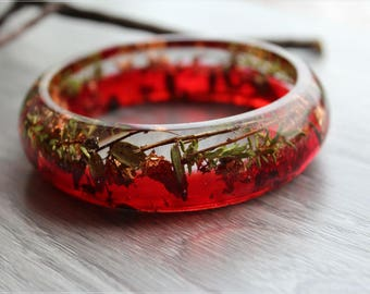 """Bracelet """"Cranberry""""  with real sprigs of cranberries in resin"""