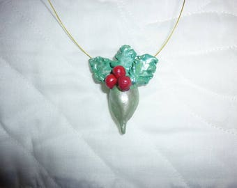 BEAUTIFUL PENDANT HOLLY PASTE WEPAM CORDED METAL DORE