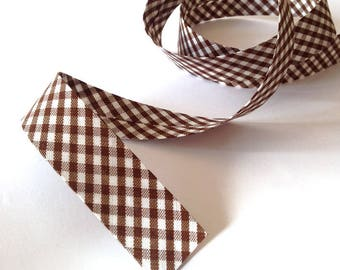 Through a Brown gingham cotton folded 2cm