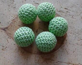 Lot 5 beads 20mm lime green crochet