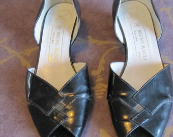 Womens black patent leather shoes by Bruno Mali. Size 381/2