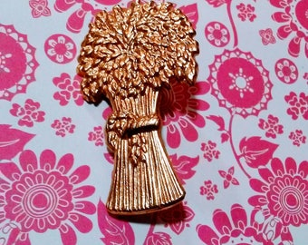 Vintage Sheaf of Wheat Brooch Amulet