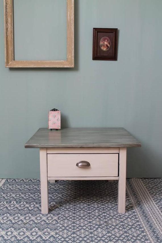 jolie table basse bi couleurs. Black Bedroom Furniture Sets. Home Design Ideas
