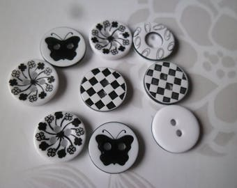 buttons x 10 mixed resin round white black pattern 2 hole 13 mm