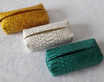 Lot cases tissue snake leatherette, packs of 3 mustard yellow colour, white, ivory and green