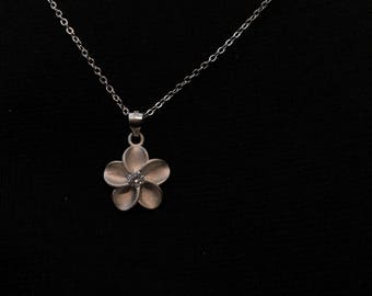 MADE IN ITALY Silver Flower pendant necklace