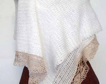 White stole and old beige lace