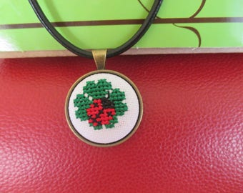 """Embroidered necklace """"Lucky"""""""