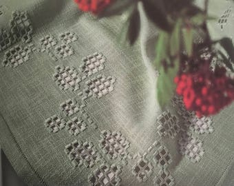 PDF Hardanger Embroidery Tablecloth With Flowering Vine