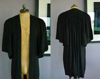Vintage Graduation Gown / Academic Gown / Gift for Graduate / Grad Gift Ideas / Graduation Ceremony / College Graduate / High School Grad