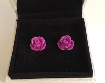 10mm Rose Cabouchon stud earrings (purple)