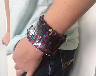 Reversible Sequin Mermaid Kids Braclet, Double Sided Sequins, Girl Accessory, Draw on Sequins, Fidget, Sensory tool, rainbow and silver