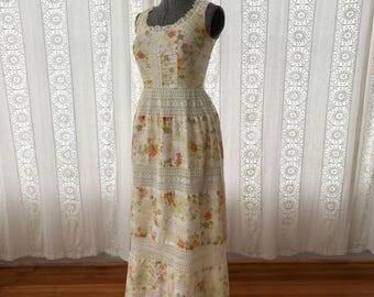 70s floral cotton maxi dress // Lanz crochet maxi dress // Boho maxi dress