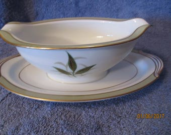 Noritake Greenbay Gravy Boat with Attached Underplate EXCELLENT !