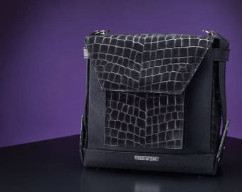 Festival to backpack transforming leather bag