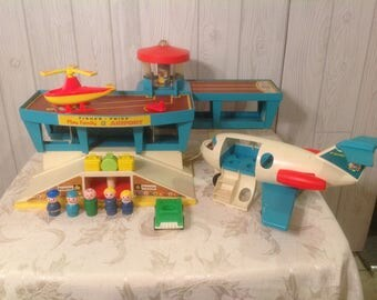 Fisher Price  Little People Airport and Airplane