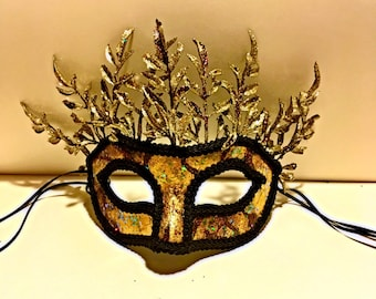 The Temptress, paper mask, black and gold, gilded mask, ribbon tied mask, Halloween, festival, accessory, cosplay