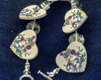 Heart shaped button bracelet