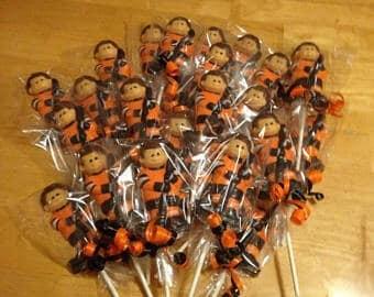 Hockey Chocolate Lollipops