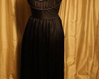 Kaysee Bondor 60's Nightie Size10