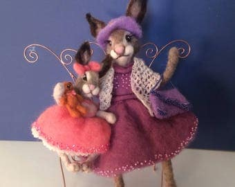 Needlefelted bunnies mother and daughter