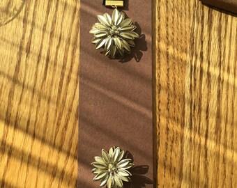 BookMark Jewelry; Crystal Flower