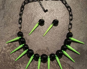 Spikey necklace & earings set