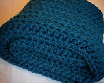 Ocean Blue Chunky Throw Blanket, Teal Crochet Blanket