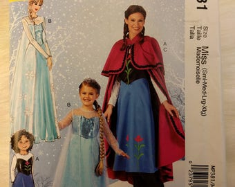 Frozen Ana and Elsa Adult and Child McCall's Costumes MP381