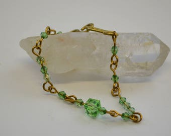 Brass link bracelet with green beads - Spirits of nature -
