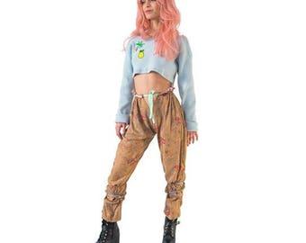 looped up pants