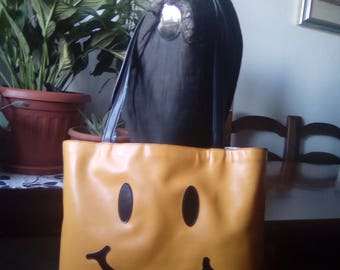 "SMILE BAG by MOSCHINO-in varnished leather, vintage ""Alta moda"""